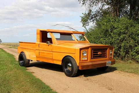 Полностью деревянный пикап Ford из Южной Дакоты