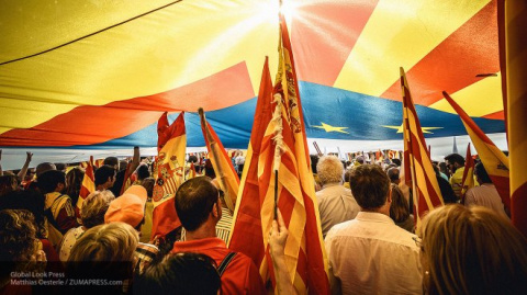 Власти Испании проведут досрочные выборы в парламент Каталонии - СМИ