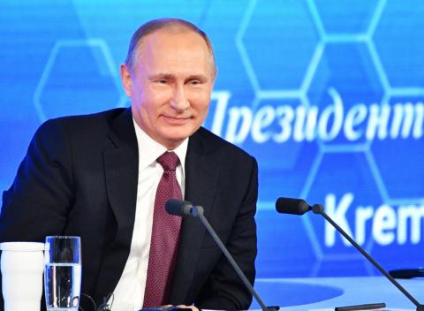 Путин поздравил с Новым годом Обаму и Трампа