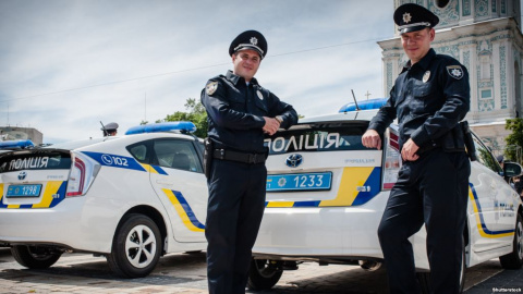 Украинские полицейские перес…