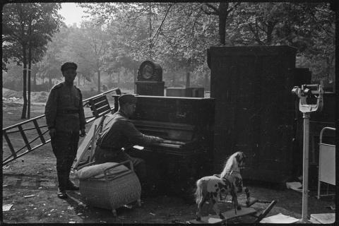 Привет из 45-го года...: уникальные фотографии Второй мировой войны