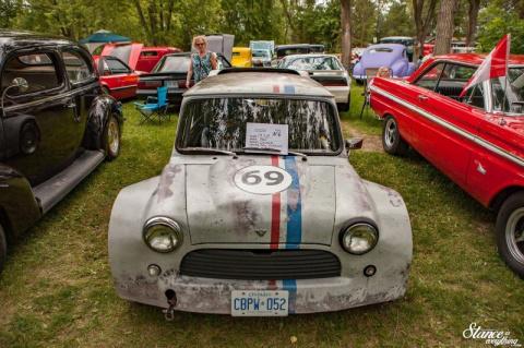 Брутальный Mini с мощным двигателем Chevy 350