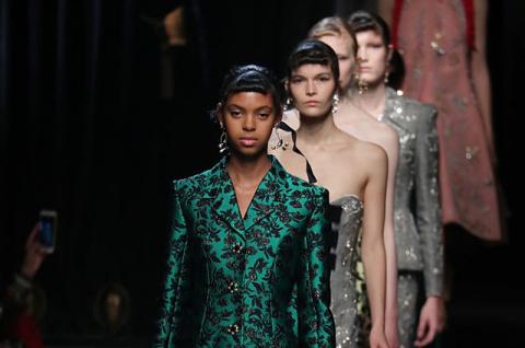 Неделя моды в Лондоне: показ Erdem весна-лето 2018