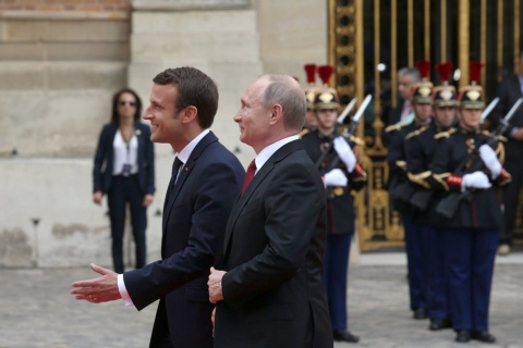 Владимир Путин провел переговоры с Эмманюэлем Макроном в Париже