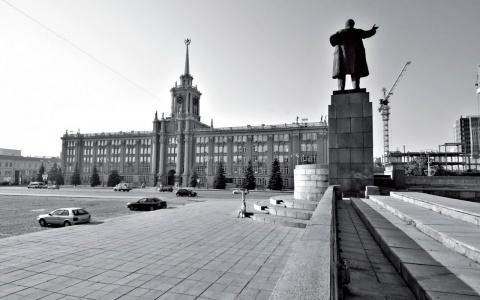 Судьбу площади 1905 года отд…