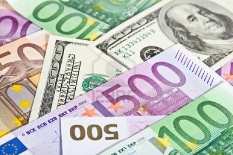Курс евро к доллару впервые …