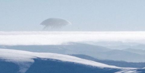 Сеть всполошил гигантский НЛО над Эльбрусом, известны первые подробности