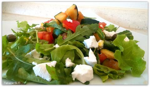 Летний салат с кабачками