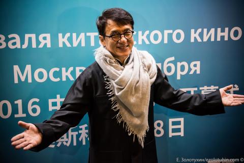 Джеки Чан спел в Москве