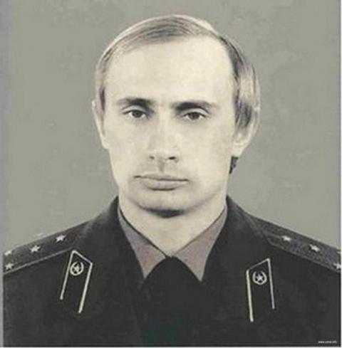 """""""Один патрон я оставлю для себя"""". Неизвестный подвиг подполковника Путина"""