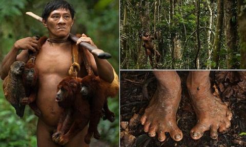 Это амазонское племя до сих пор живет в каменном веке