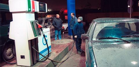 Почему бензин в России дорожает при дешевеющей нефти?
