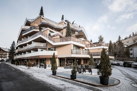 """Необычный """"скалистый"""" отель в Италии"""