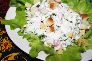 Салат с крабовыми палочками …