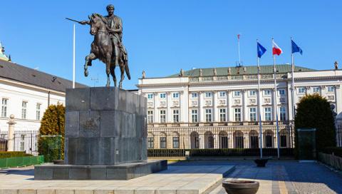 В Польше призвали не спешить обвинять РФ из-за обстрела консульства в Луцке