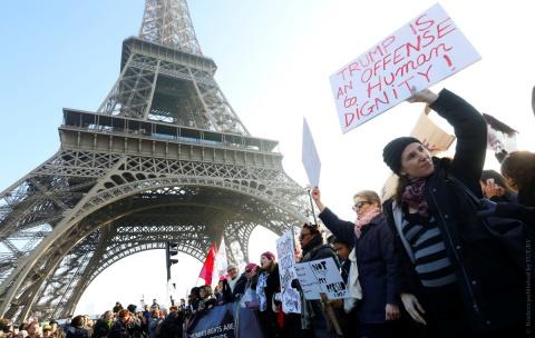 Новость дня: Протесты против…