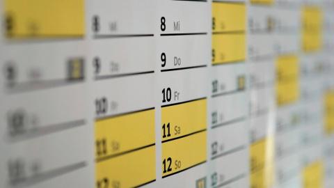 Надо больше работать: эксперты высказались против длинных новогодних каникул