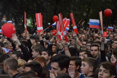 Митинги Навального даже за деньги не смогли собрать толковую массовку. Но есть один момент...