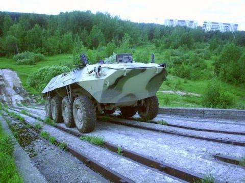Первый бесшумный БТР, который может стать беспилотным, создан в РФ