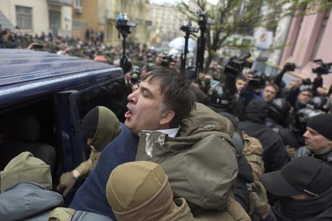Саакашвили объявил в СИЗО бе…