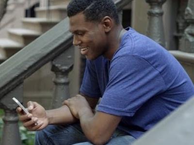 Apple прорекламировала видеозвонки iPhone 5