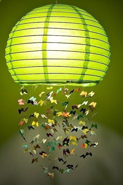 Мобиль или абажур с бабочками