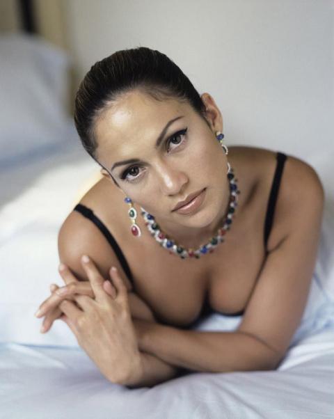 Дженнифер Лопес в смелой фотосессии 1998 года