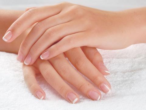 О каких проблемах организма могут «рассказать» ногти
