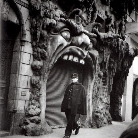 Что творилось за дверьми наиболее одиозного кабаре Парижа конца XIX века