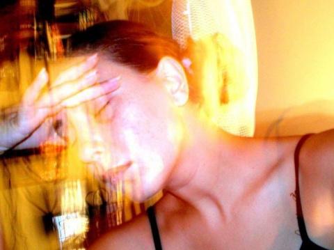 Признаки порчи у женщин — как распознать магическую атаку