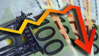 Почему евро падает, а рубль - нет?