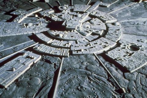 Темная сторона Луны: Базы инопланетян или кладбище древних астронавтов?
