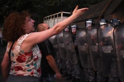Беспорядки в Армении. Что это означает для России