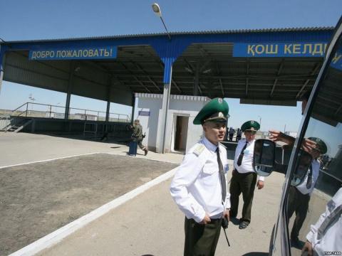 Яжемать на штурме таможни: «Пустите крохотулечку в Казахстан!»