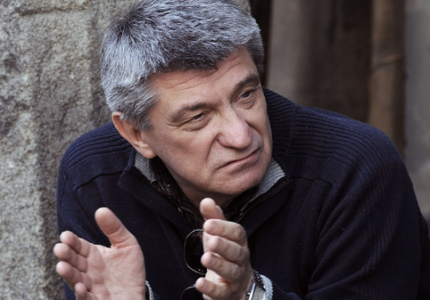 Александр Сокуров: Русские люди не могут научить своих подростков не гадить в подъездах