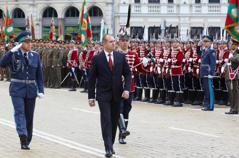 Президент Болгарии поздравил Путина с 9 мая