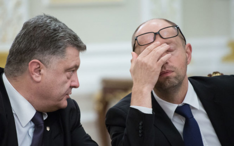 Яценюк: Порошенко ведет себя…