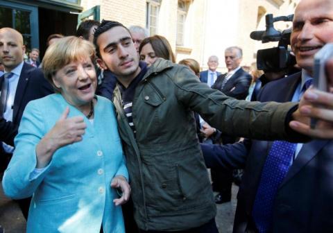 Как немцы башляют за беженцев, которые потом будут их убивать и грабить