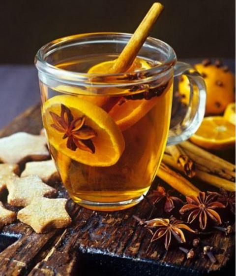 Что лучше добавить в чай, чтобы получить максимум пользы и насладиться ароматом