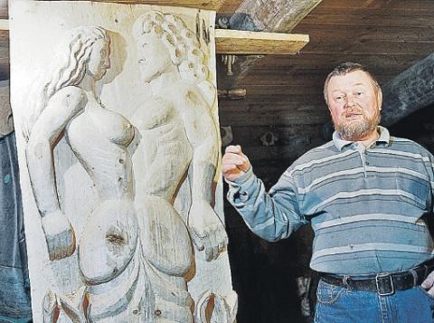 """Уральский мастер: """"Соседи уже не грозят отрубить все лишнее у моих обнаженных скульптур"""""""