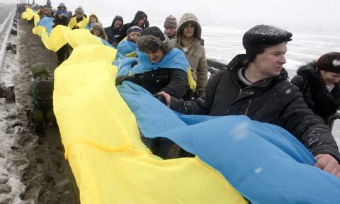 Соборность в тумане: Как вотчина Коломойского собралась отправить в морг президента Порошенко