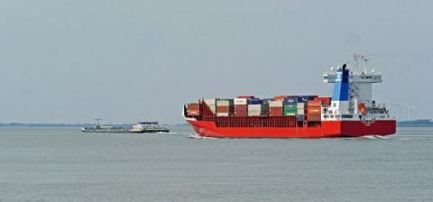 Эксперт оценил намерение властей Латвии удержать российские грузы в порту