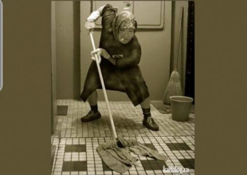 Пару лет назад нанял к себе на фирму уборщицу, которую никогда не видел..)