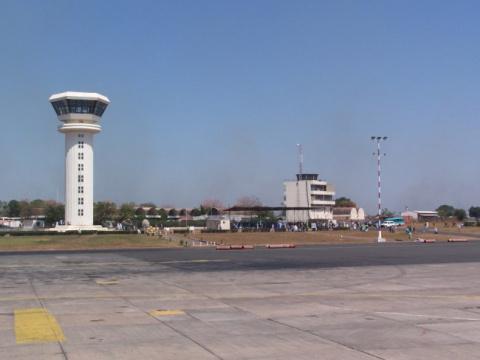 Гамбийский аэропорт Юндум по…