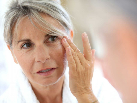 Веки без морщин: используя этот простой продукт, вы забудете о старении