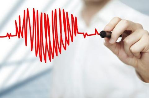 11 симптомов скорого сердечн…
