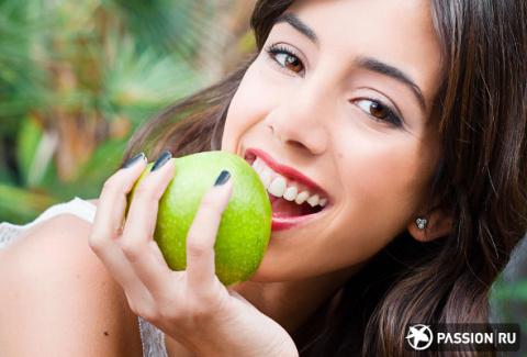 Натуральные продукты для отбеливания зубов