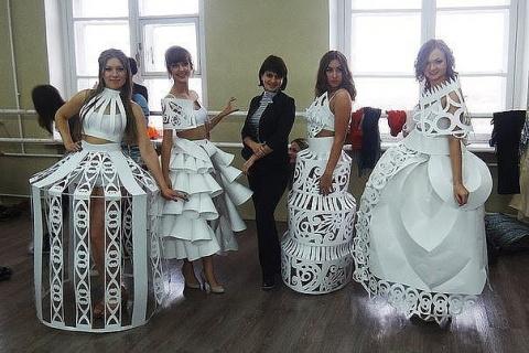 Платья из простой бумаги. Вот это фантазия!
