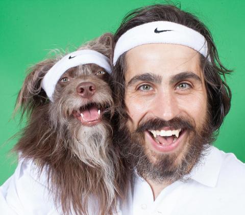 Парень и его собака настолько похожи, что порой даже не смешно