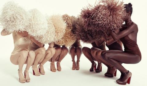 Босоножки Christian Louboutin для всех оттенков кожи